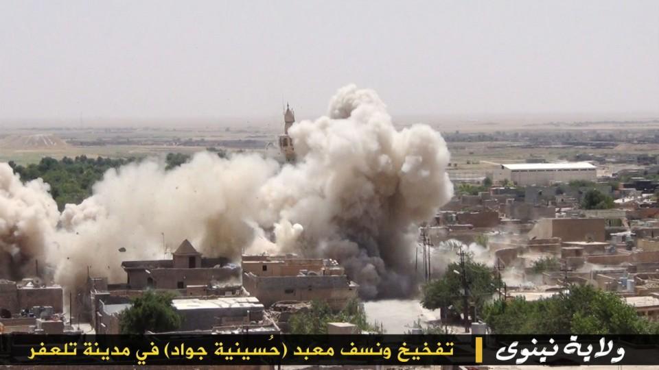 """15_small ИГИЛ разрушает мечети """"неправильных"""" мусульман Ислам"""