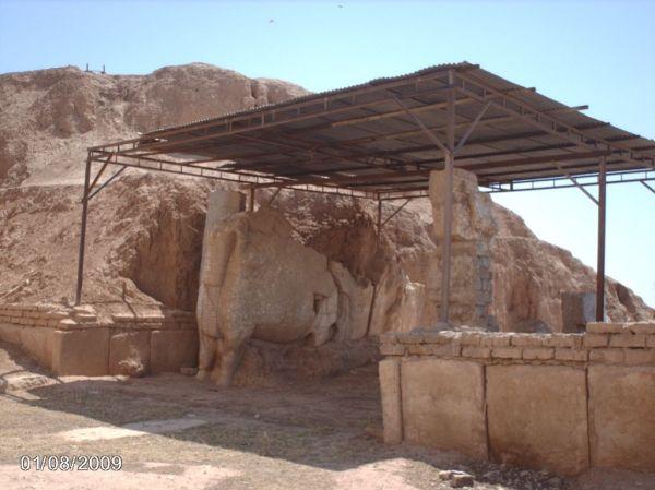 Interior of the Nergal Gate in 2009. (Source)