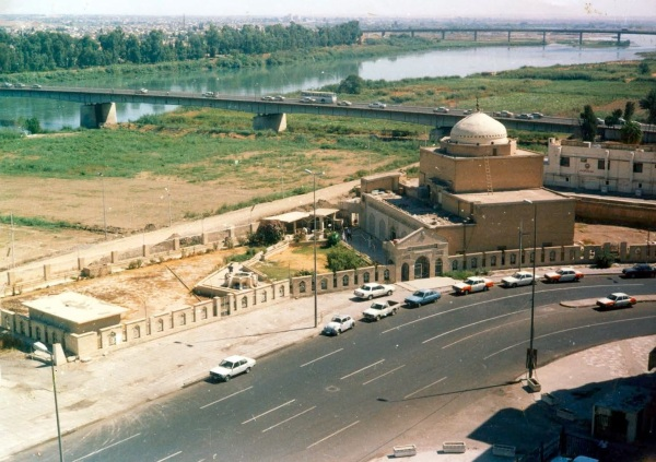 Recent photograph of the al-Khidr Mosque. (source)