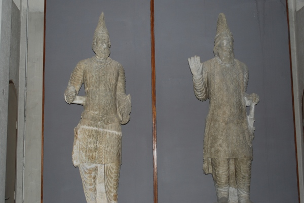 Hatran statues seen at 0:08, 2:50 and 3:11 of video. Photo by Diane Siebrandt, U.S. State Department.