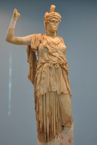 Statue of Allat/Athena, pre-destruction. (source)